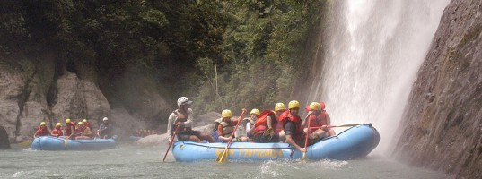 whitewater-rafting-jungles-costa-rica