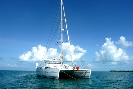 Catamaran Sailing the Outer Cayes in Belize