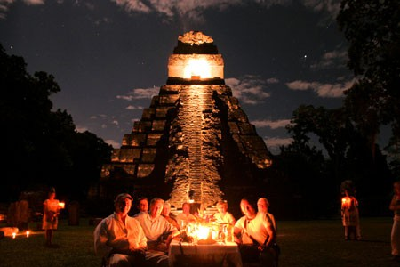 Incentives group dining in front of TIkal