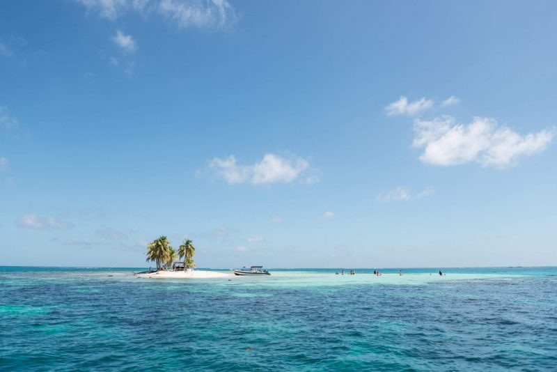 snorkelling at silk cay with Viaventure