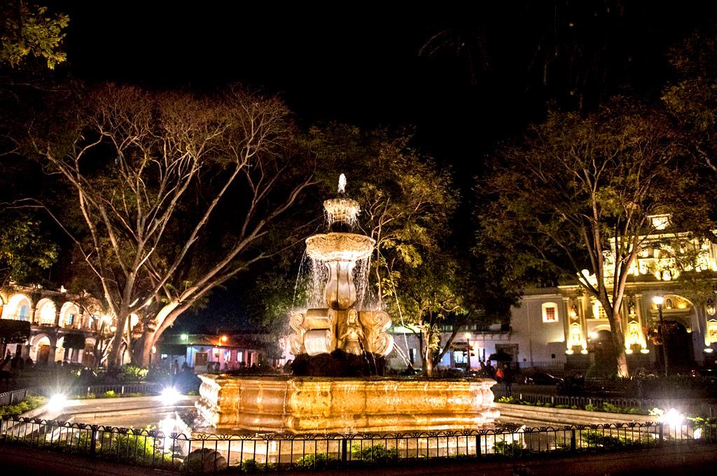 antigua-guatemala-central-park