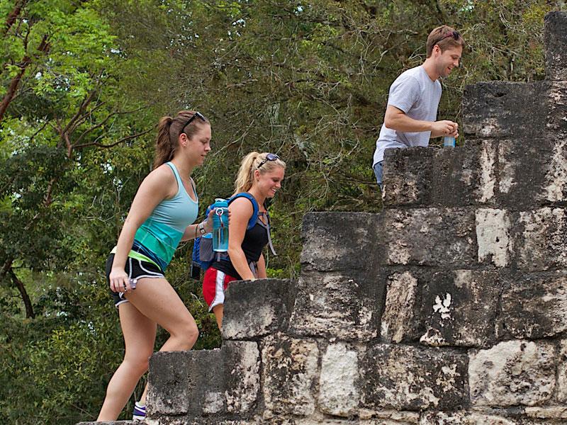 climb-temples-in-central-america
