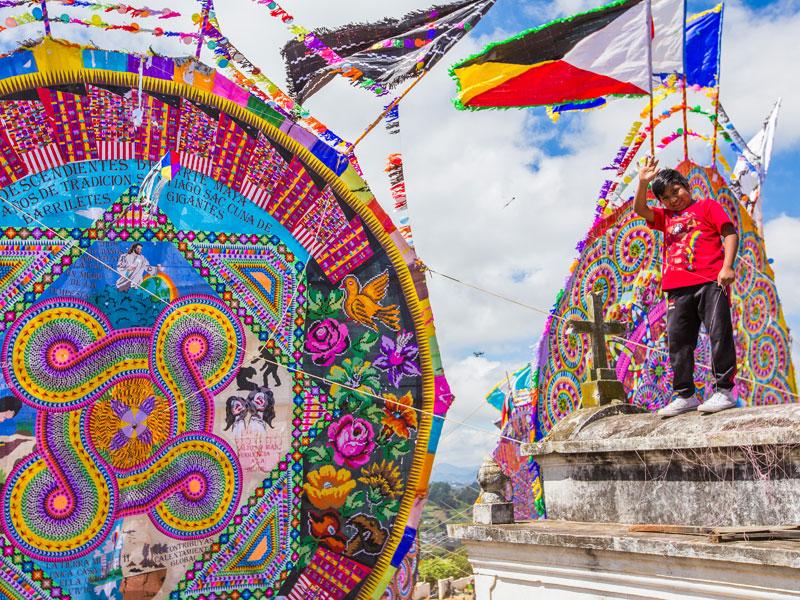kites-cementery-santiago-festival
