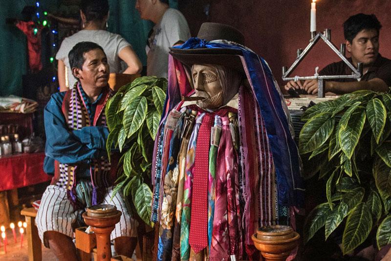 maximon-deity-guatemala