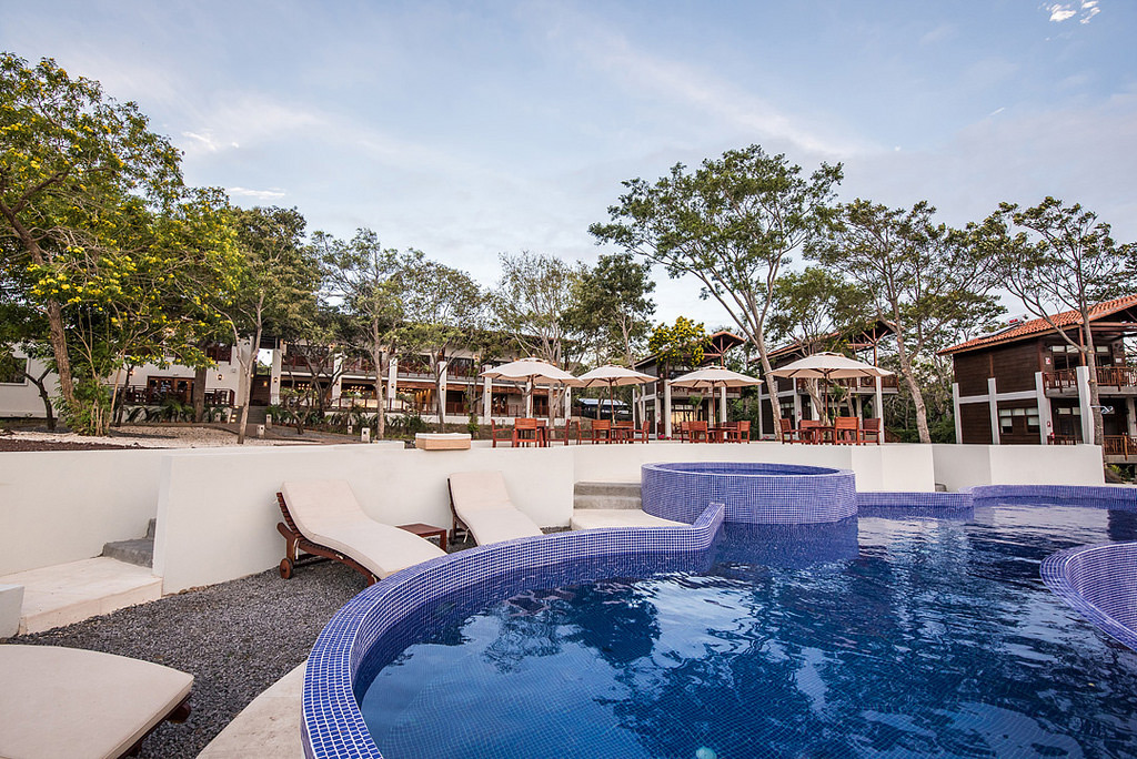 pacaya-lodge-hotel-nicaragua