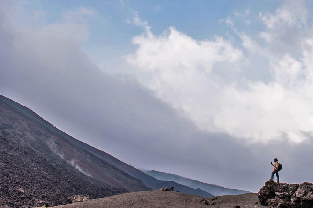 pacaya-volcano-climb