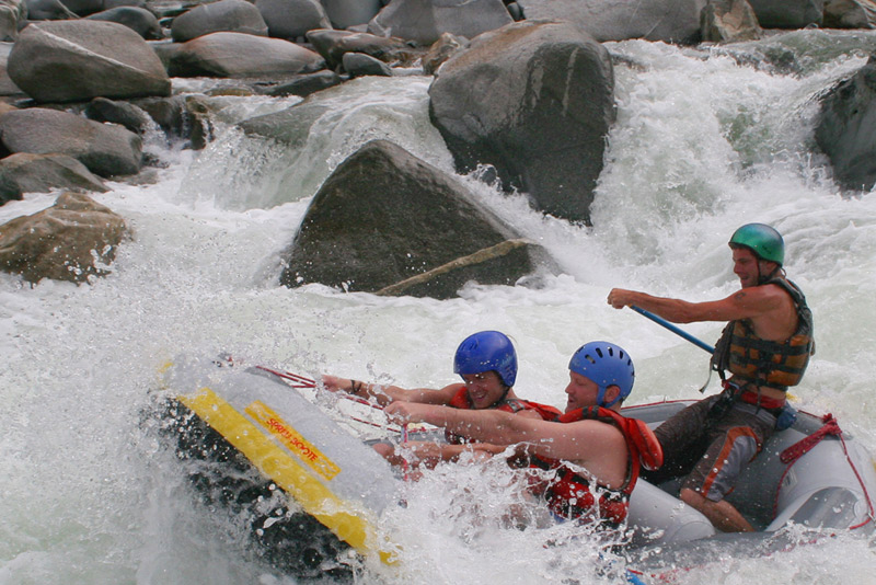pico-bonito-whitewater-rafting