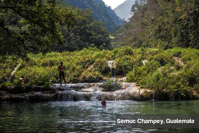 swimming-semuc-champey-guatemala
