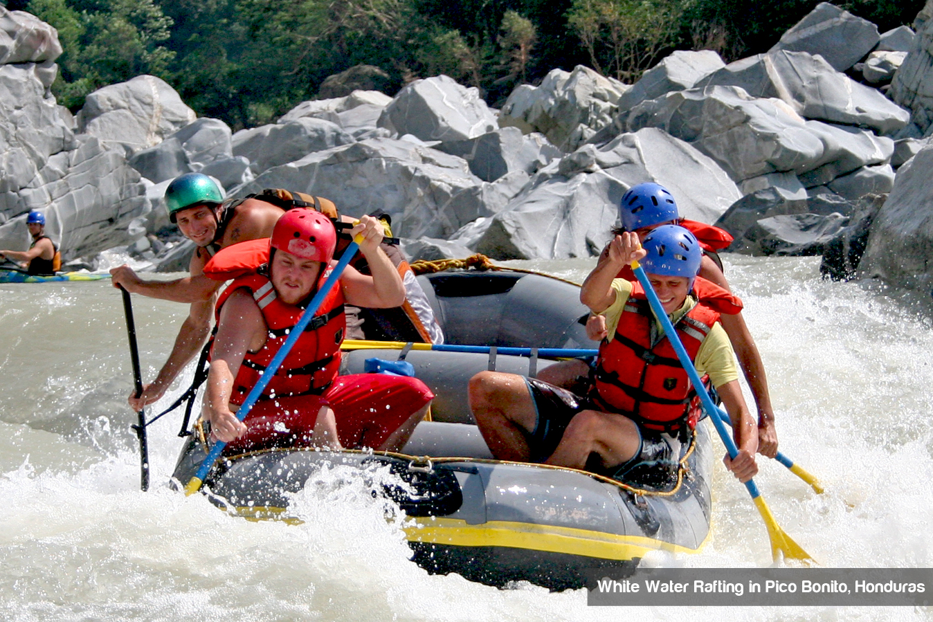 water-rafting-honduras
