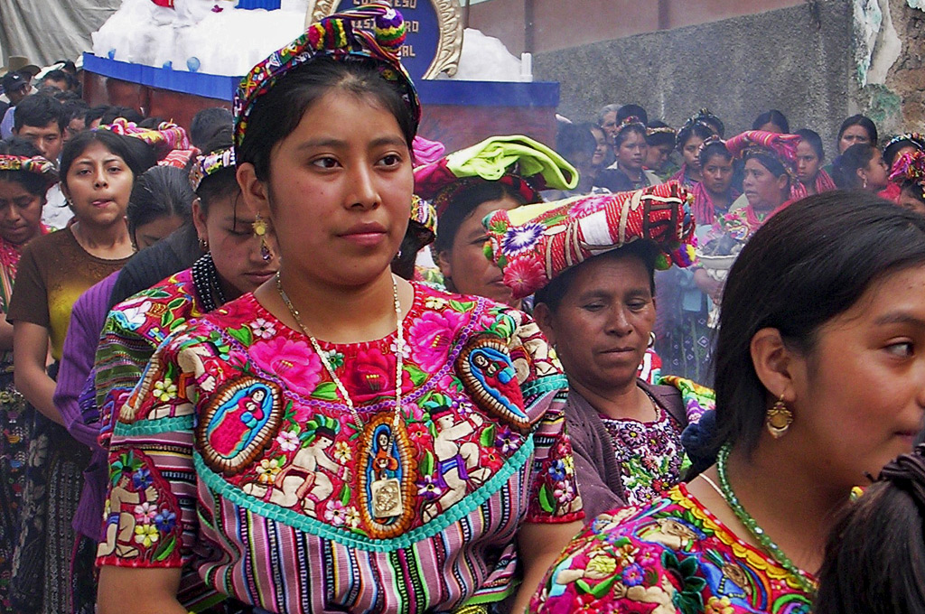 zunil-guatemala-traditional-clothes